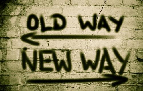 illustrasjonsfoto med tekst old way new way